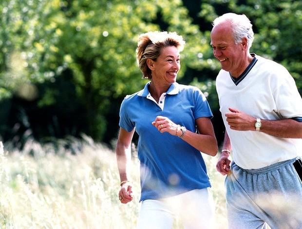 Principal causa de morte entre idosos, quedas podem diminuir com exercício